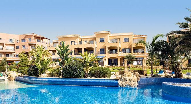 Продажа апартаментов в комплексе в комплексе Limnaria Gardens Кипр