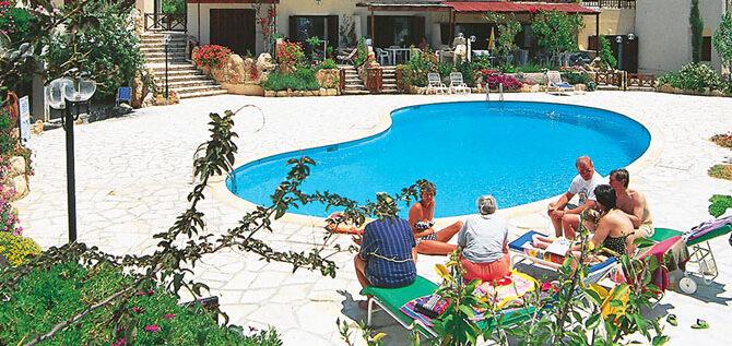 Продажа апартамента в комплексе Stephanie Village Тала Пафос
