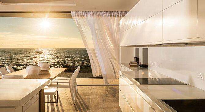 Продажа домов у моря в комплексе Adonis Beach Villas в Пафосе
