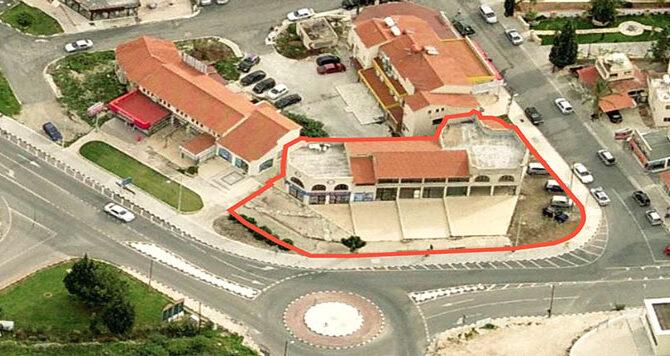 Продажа помещения под магазин в CORAL BAY PLAZA Пафос