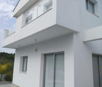 Продажа домов возле моря в Протарас Кипр