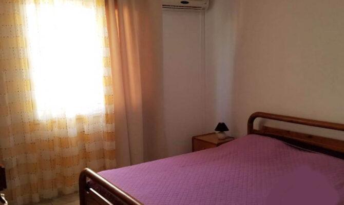 Продажа двуспальной квартиры в центре Айя Напы под аренду