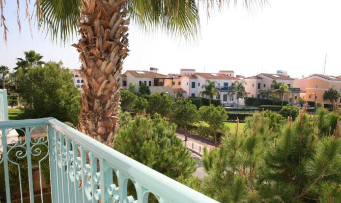 Недвижимость в Лимассол Марине Кипр