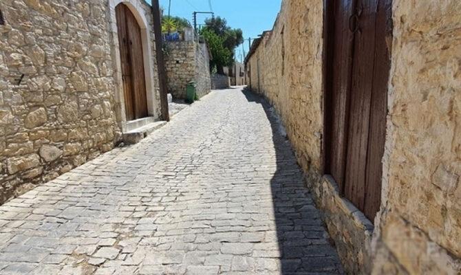 Кипр продажа дома в деревне Лофу