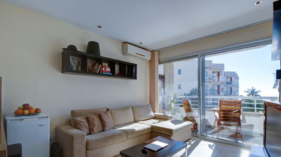 Купить апартаменты у моря в районе Гермасое Лимассол