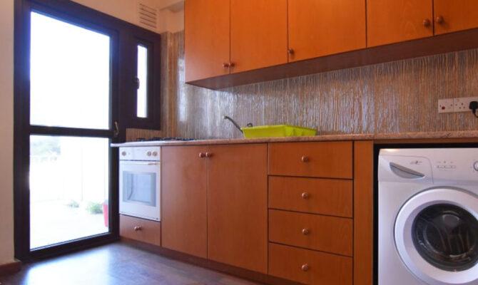 Покупка квартиры на первой линии моря в Потамос Гермасоя Лимассол