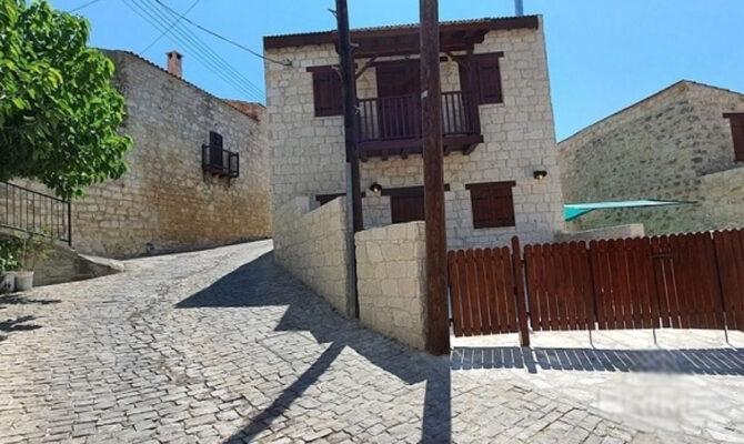 Продажа дома в деревне Лофу на Кипре