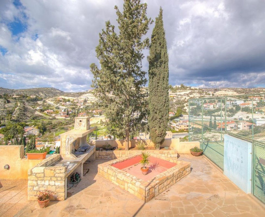 Продажа апартамента в районе Агиос Тихонас в Лимассоле