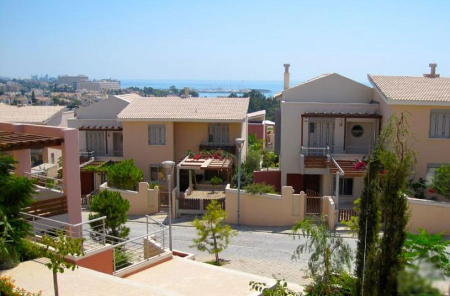 Продажа апартаментов у моря в районе Парклейн Лимассол