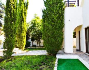 Продажа дома в районе Агиос Тихонас Лимассол