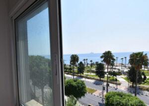 Продажа квартиры на берегу моря возле Лимассол Марины