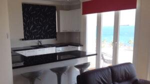 Продажа квартиры на первой линии моря в Лимассол
