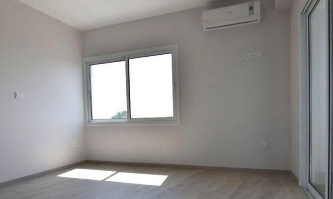 Продажа квартиры на у моря возле Лимассол Марины