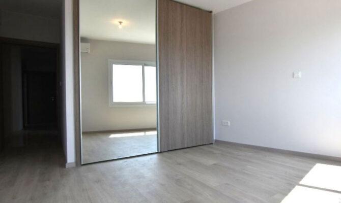Продажа квартиры у моря возле Молос в Лимассоле Кипр