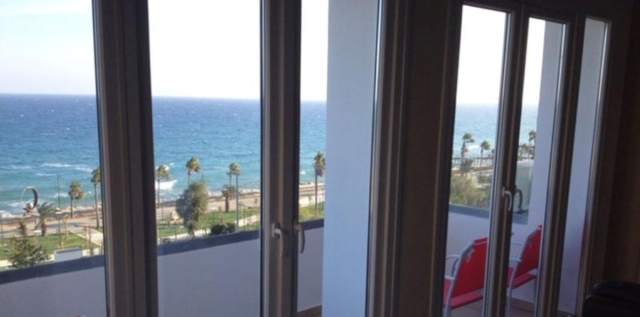 Продажа недвижимости на берегу моря в центре Лимассола