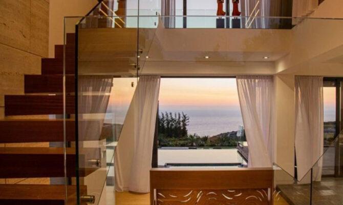 Покупка люксовой виллы с видом на море в районе Афродайт Хилс на Кипре