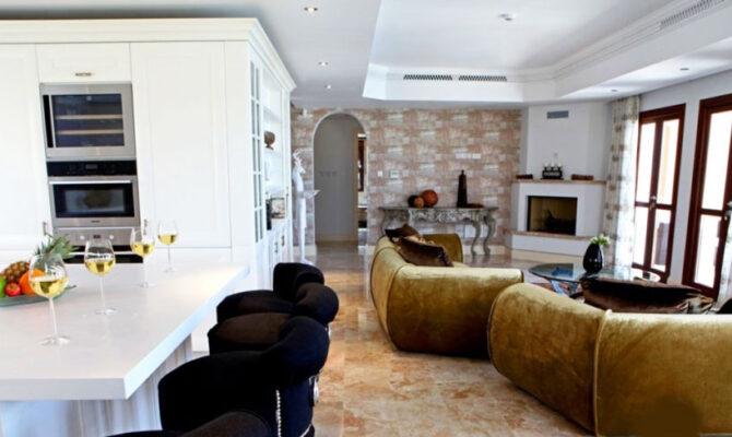Продажа дома в Афродита Хилс Пафос