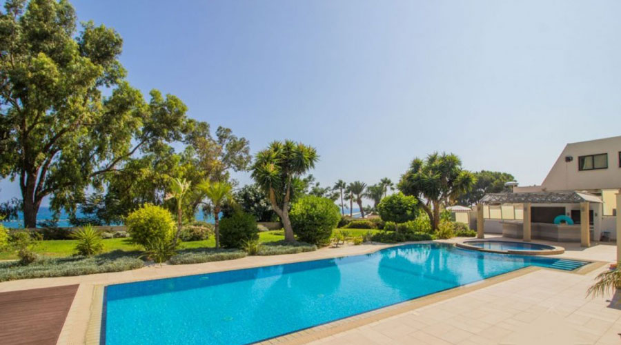 продажа элитной недвижимости у моря в районе Агиос Тихонас Лимассол