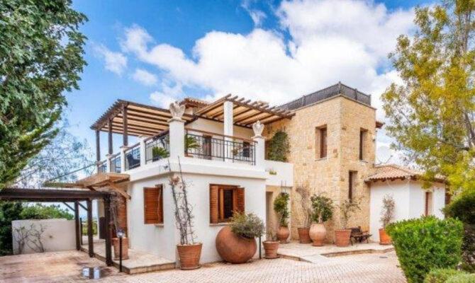продажа элитной виллы в районе Афродайт Хилс Кипр