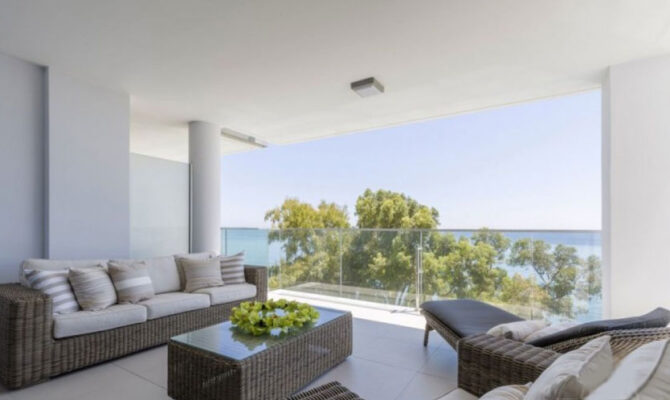 продажа элитных апартаментов возле моря в районе Агиос Тихонас Кипр