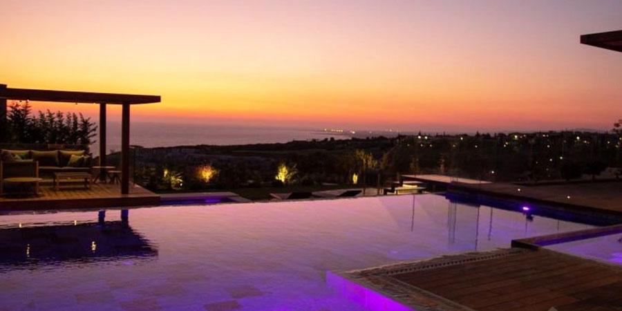 Продажа люксовой виллы с видом на море Кипр