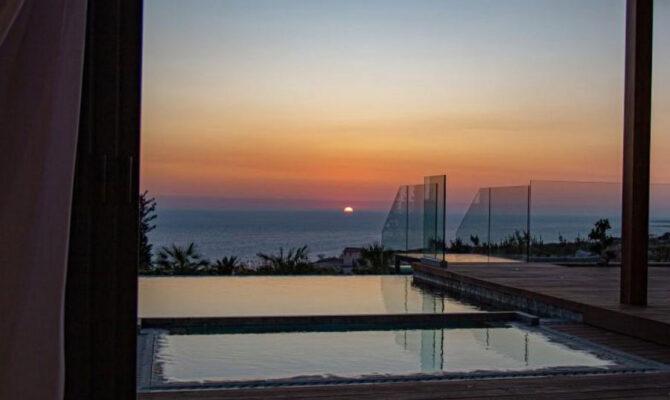 Продажа люксовой виллы с видом на море Пафос