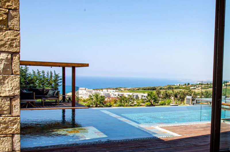 Продажа люксовой виллы в Афродайт Хилс Кипр