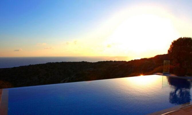 Продажа виллы с видом на море на Кипре
