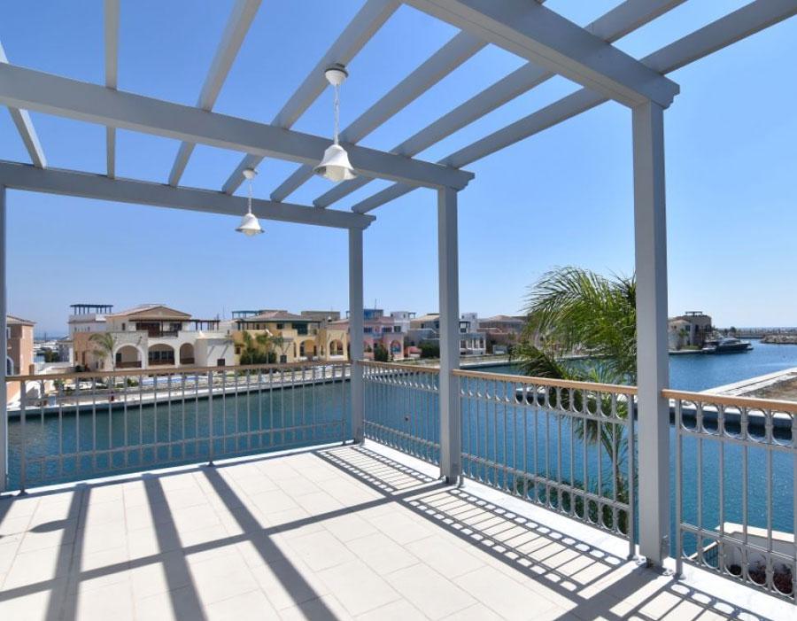 Продажа элитной виллы у моря в Лимассол Марина Кипр