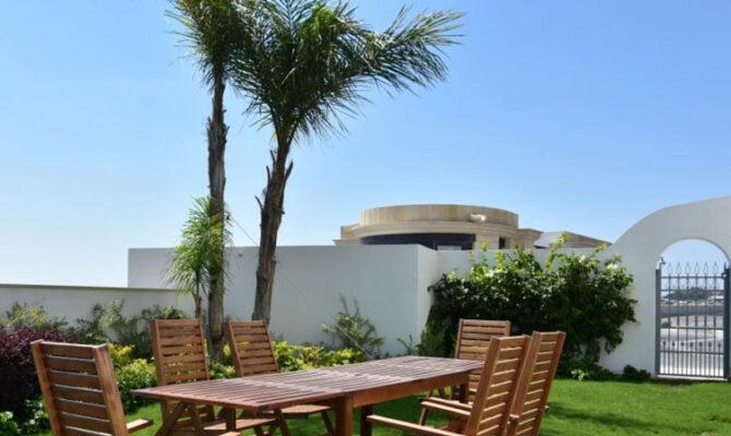 Продажа вилл на берегу моря в Лимассол Марине Кипр